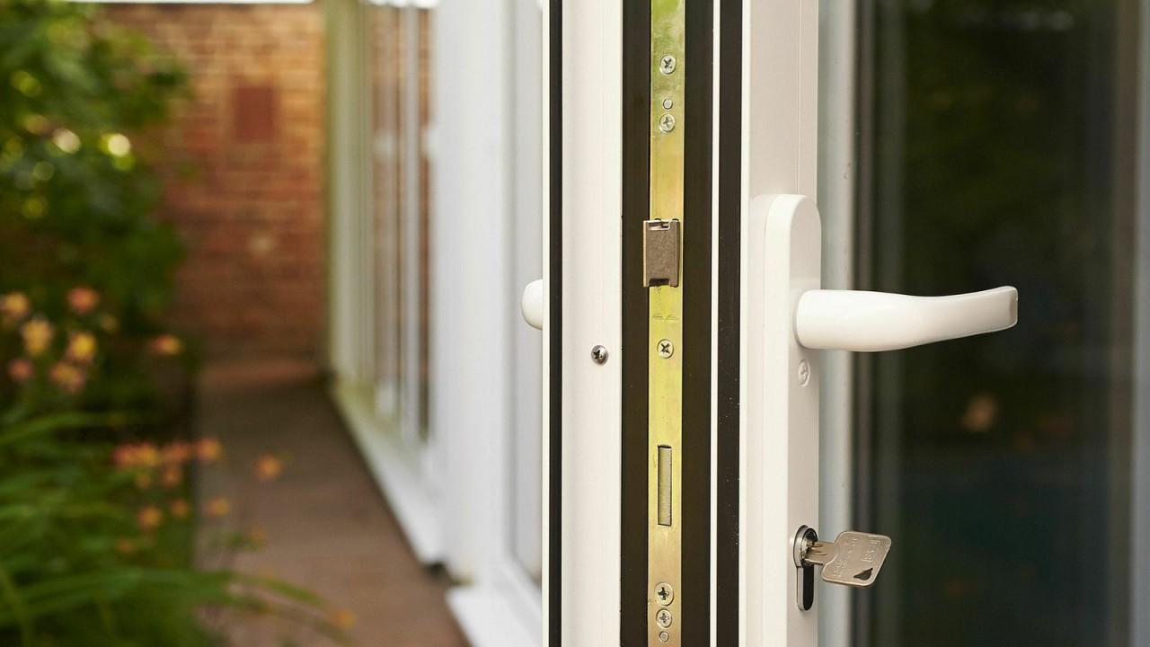 aluminium-bi-fold-doors